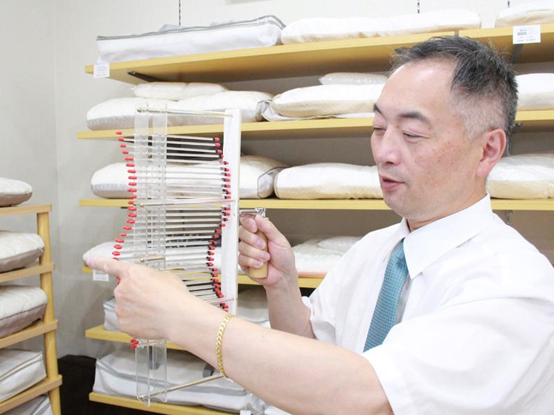 快眠ハウスにしむら店長西村一弥は「スリープマスター」「ピローアドバイザー」